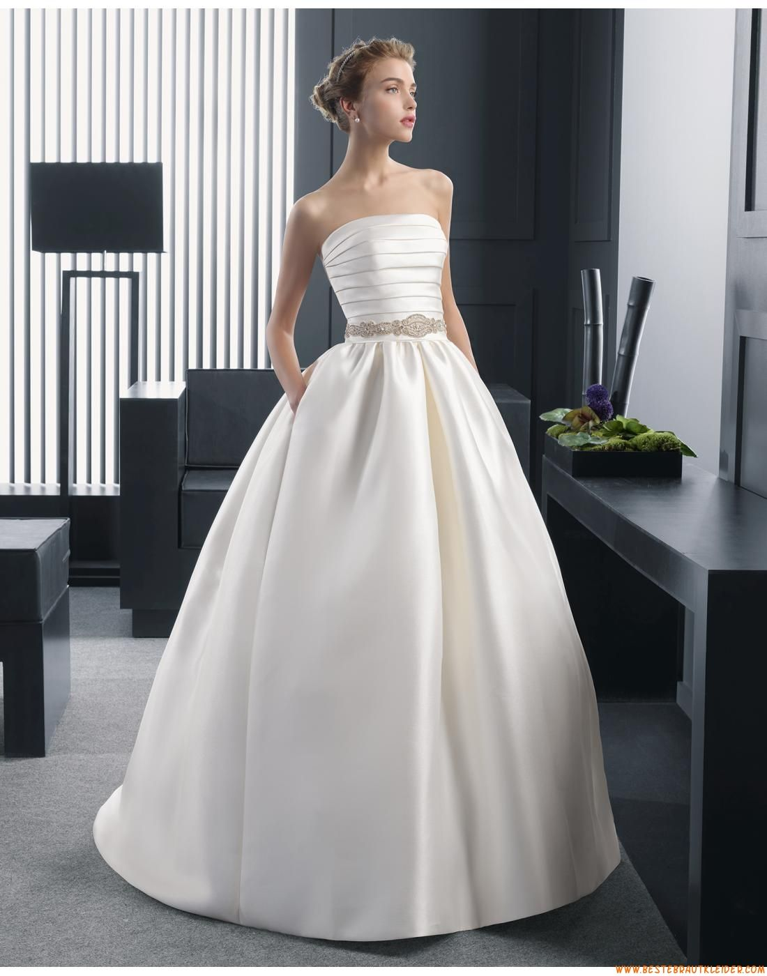 2015 A-linie Exklusive Einfache Brautkleider aus Taft mit ...