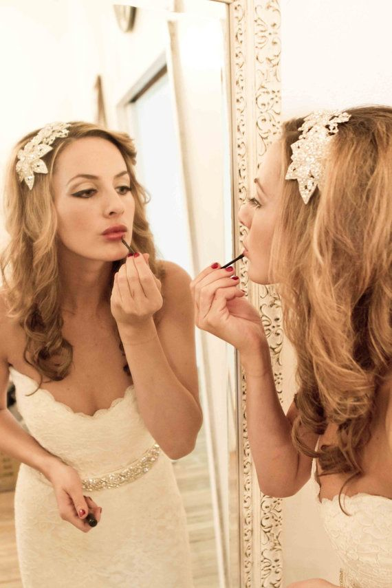 chic bridal hair accessory