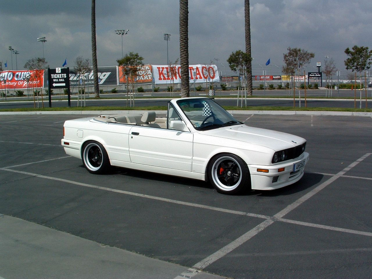 e36 sedan vs e30 convertible bimmerforums the. Black Bedroom Furniture Sets. Home Design Ideas