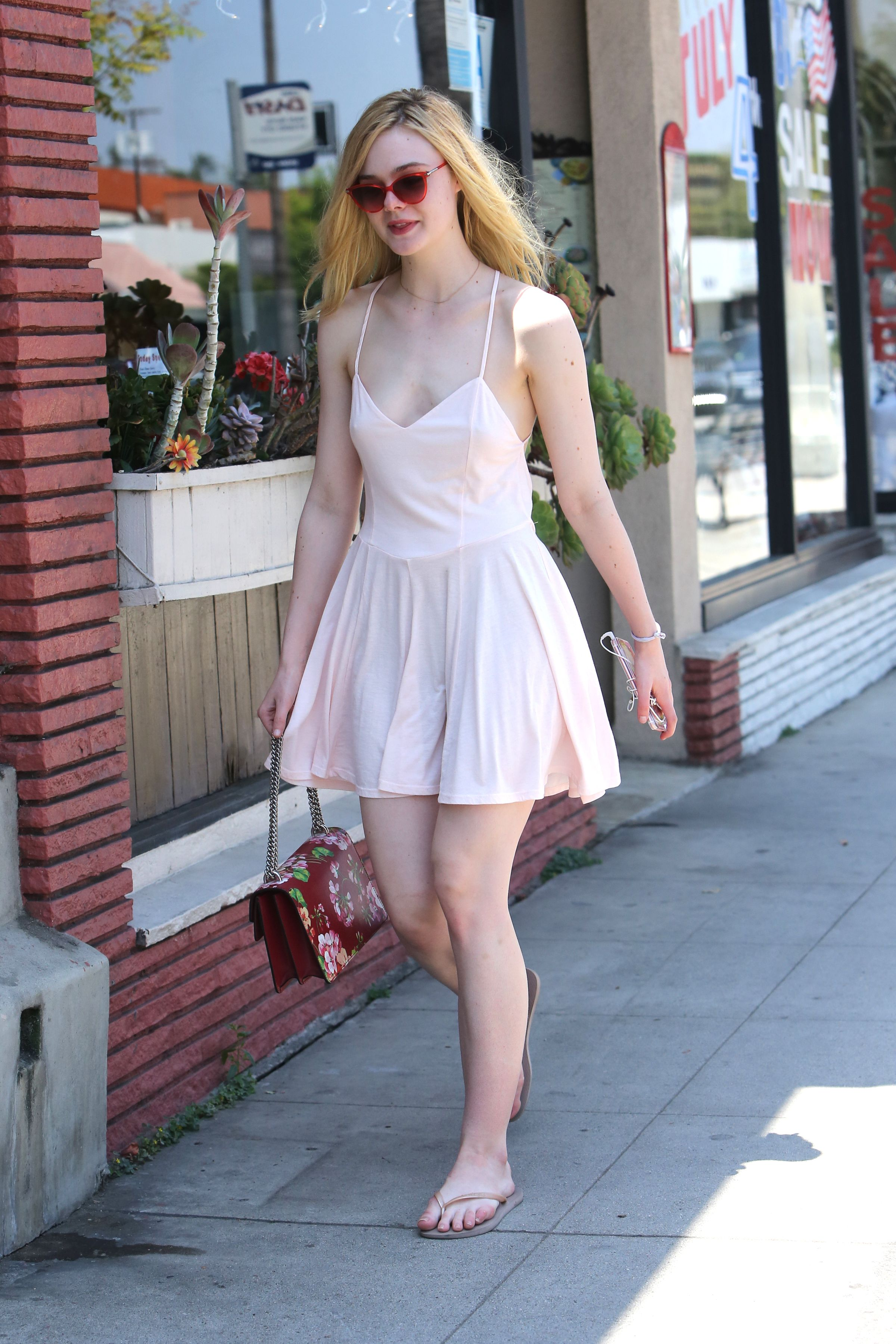 Elle Fanning Out in Los Angeles, 06/25/16