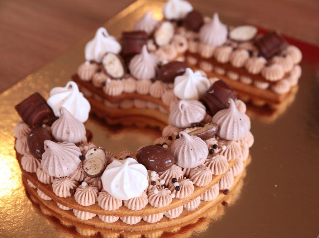 Number Cake, chocolat Tanariva & Kinder en 2020 | Gâteaux aux numéros, Gâteau ultra moelleux ...