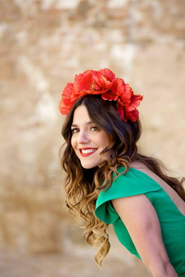 Pin de Inspire Blog en Colors | Green wedding dresses, Red ...