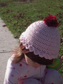 96ec5cd766a Cute cupcake hat pattern. I think it would be easy to add