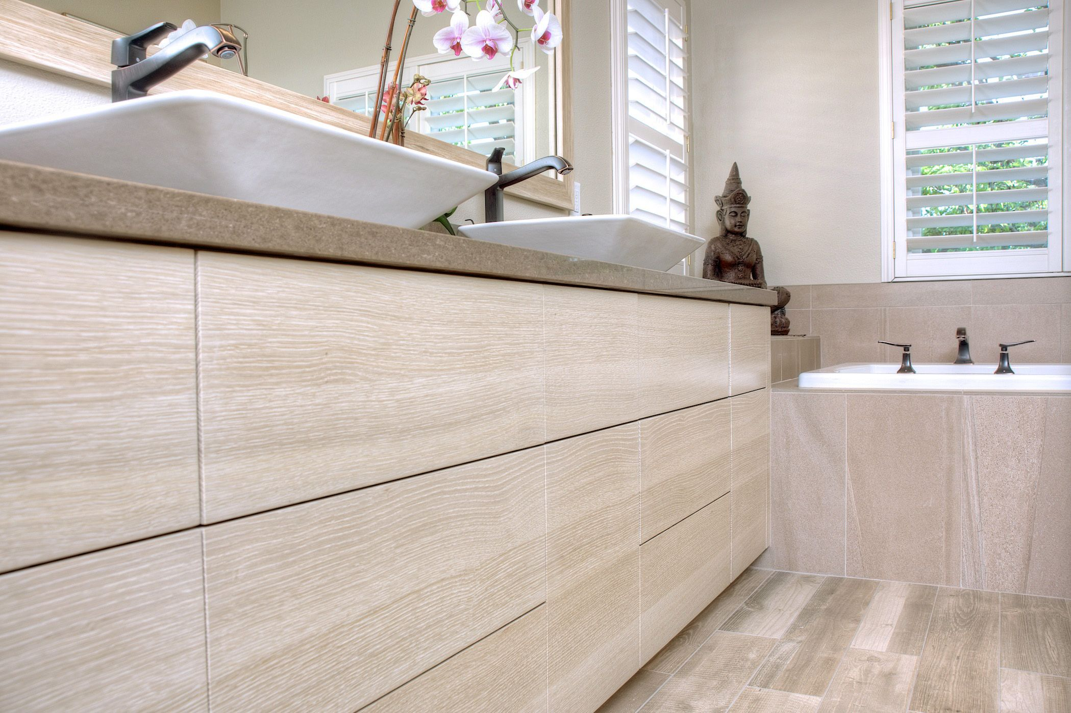 Best Custom Built Vanity Using Rift Sawn White Oak Bathrooms 400 x 300