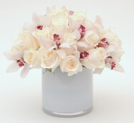 Creme Roses And Orchid Butterflies Are A Top Rated Look By Gabriela Wakeham Floral Design In New York Flower Delivery Luxury Florists Same Day Flower Delivery