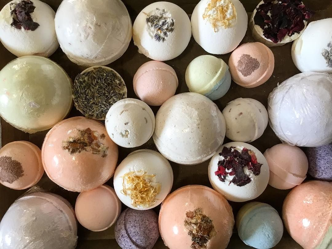 We Have Plenty Of Different Bath Bombs You Can Match To Your Mum