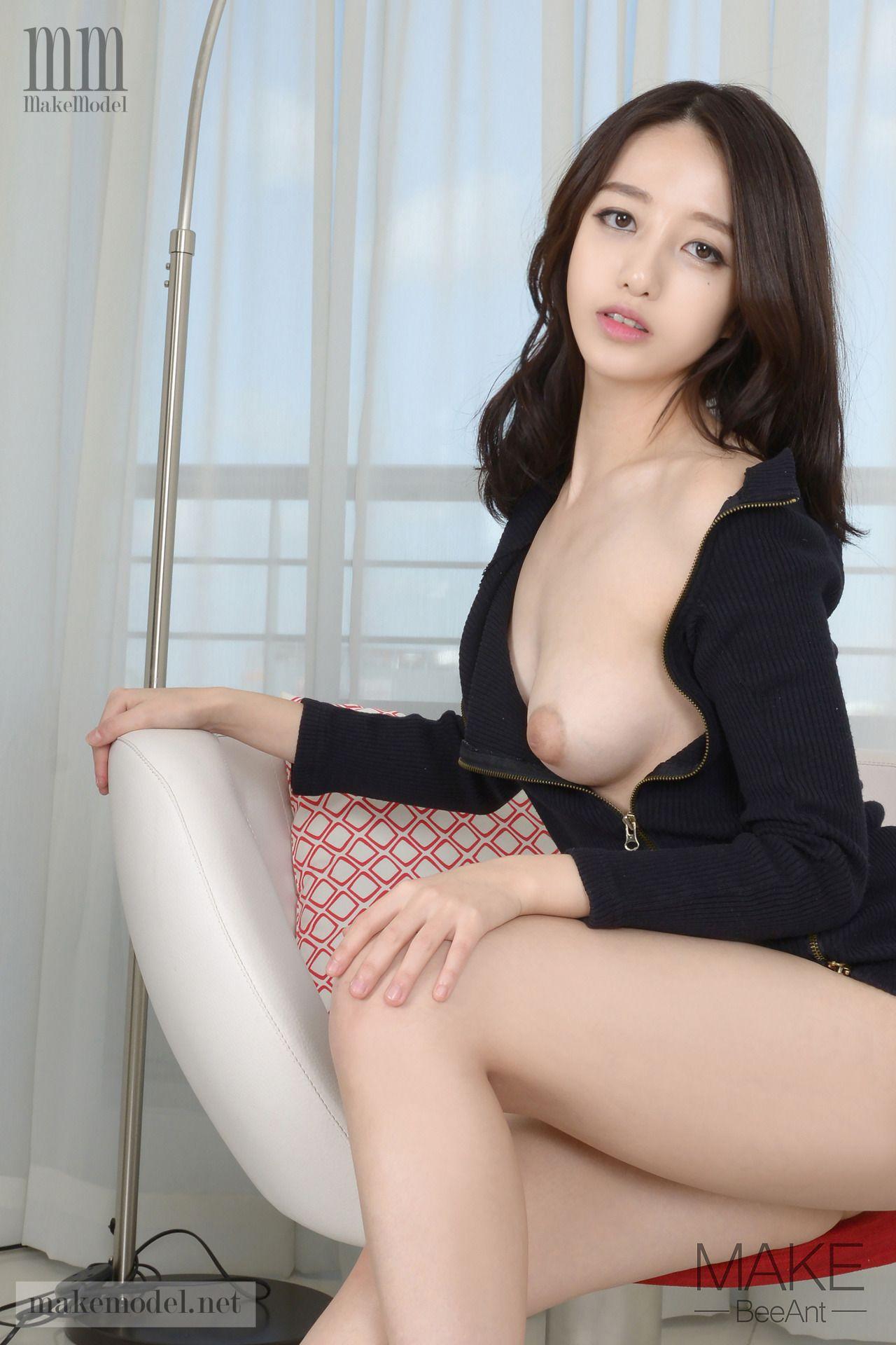makemodel SEOHYEON 4 naked