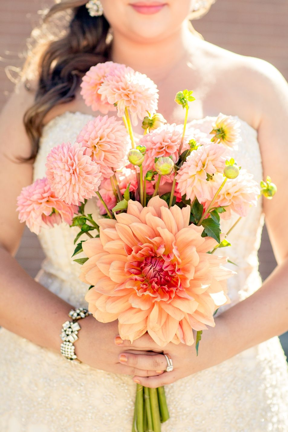 Orange peach and coral dahlias : wedding bouquet   Photo by Mindy Strauss Photography www.mindystrauss.com
