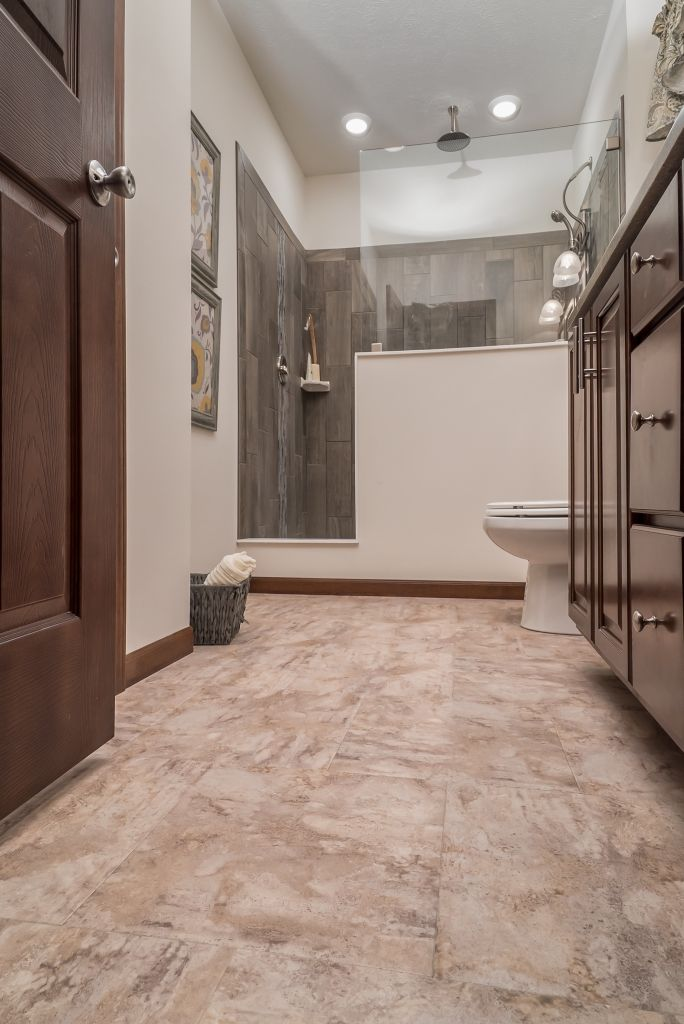 Commodore Homes Of Indiana Grandville Utlra 3 Le Modular Ranch Great Master Bathroom Featuring A Large Walk In Ceramic Tile Shower
