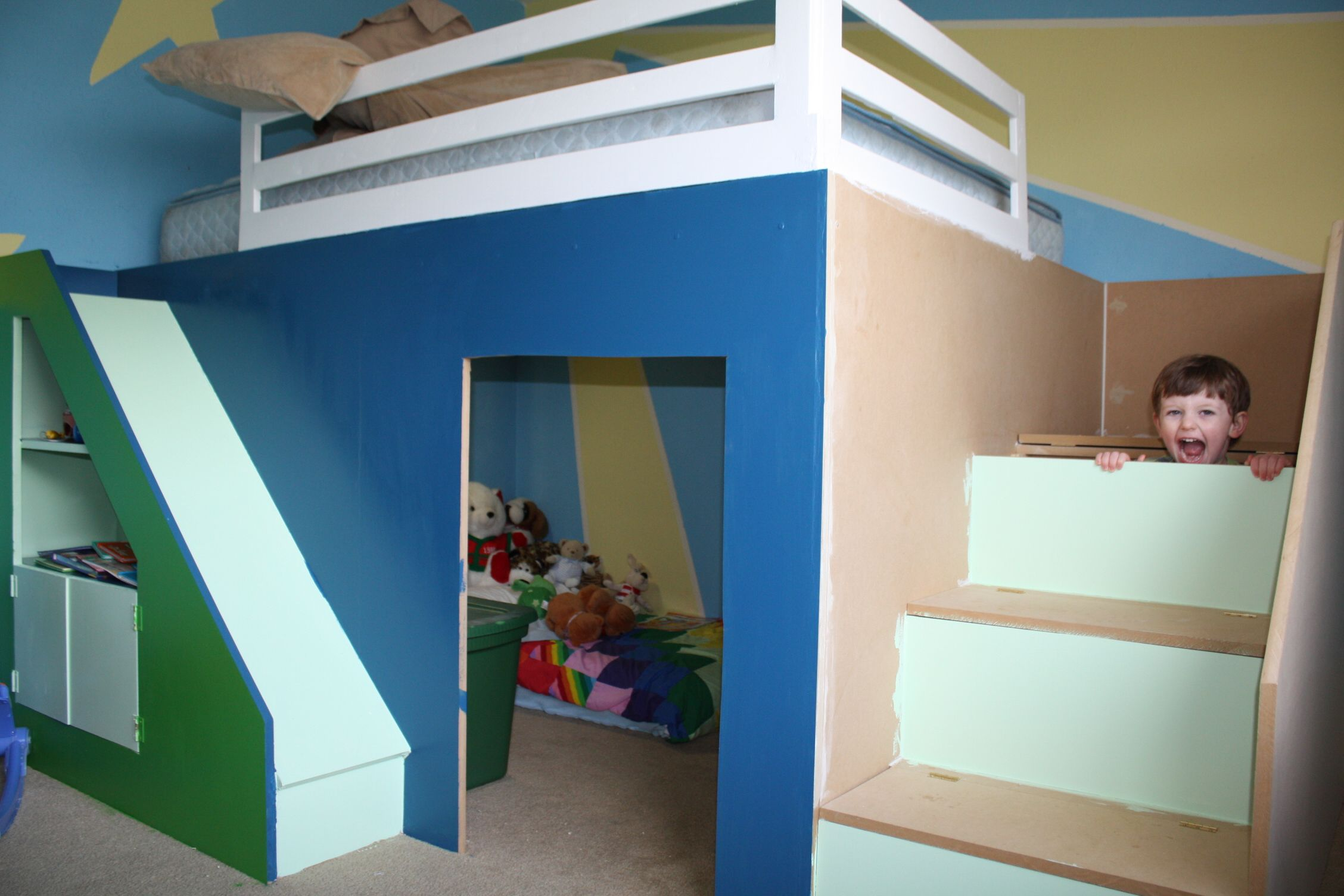 Queen size loft bed with stairs  awesome queen size bunk beds  My first build Queen size playhouse