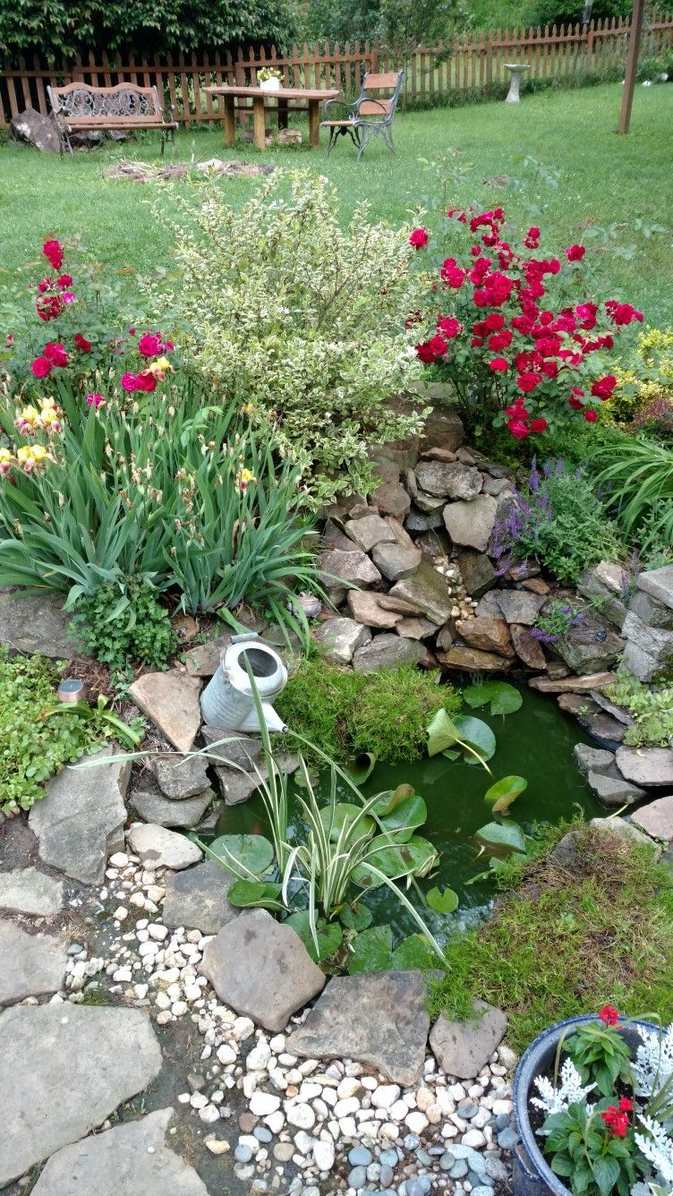 Small Backyard Pond With Water Can Fountain Garten 400 x 300
