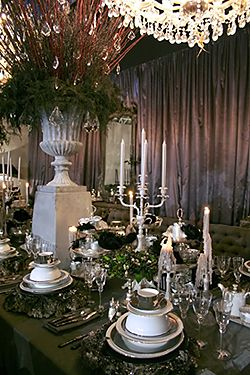 Victorian style formal dinner table scapes table setting for Edwardian table setting