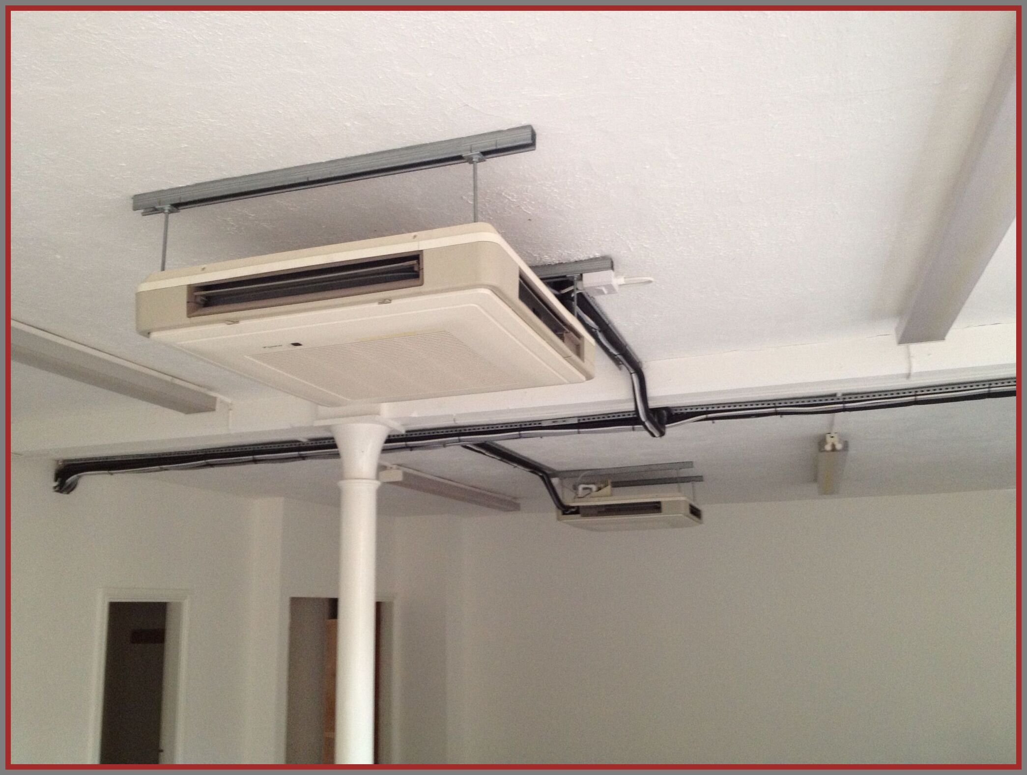 114 Reference Of Ceiling Suspended Indoor Unit In 2020 Ceiling House Design Cool House Designs