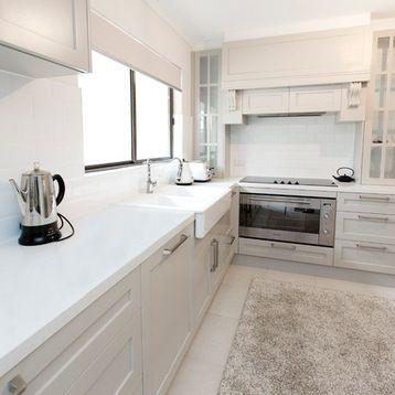 Fotos de cocinas | Diseños de cocinas en L, blancas, de tamaño medio ...