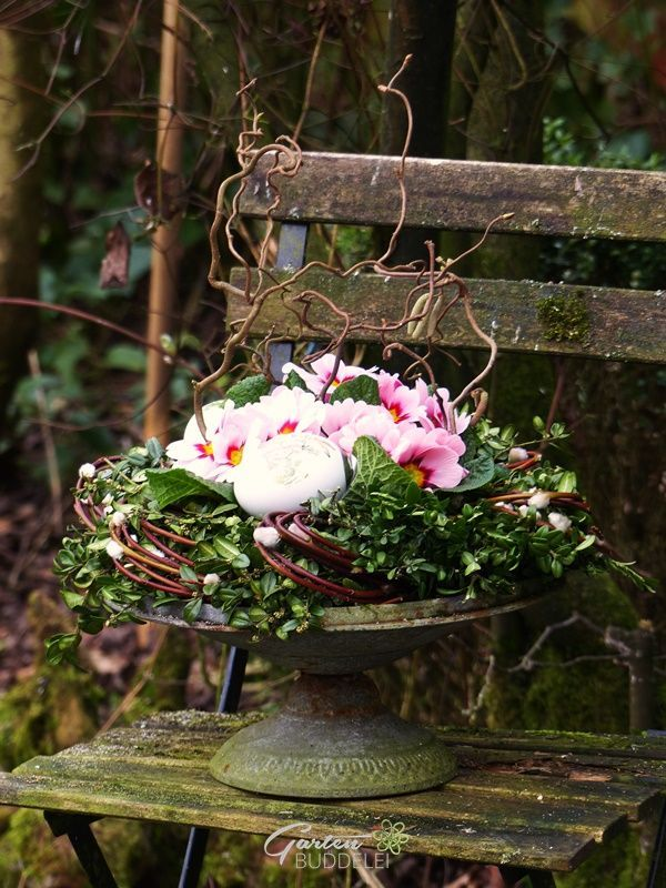 Ein Bisschen Ostern Und Gewinnerin Blumengestecke Blumen Im Blumentopf Ostern Blumen