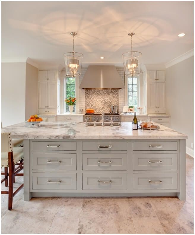 Love The Range Hood Flanked By Small Windows And Floor To Ceiling Cabinets On Either Side White Kitchen Interior Design White Kitchen Interior Kitchen Interior