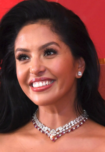 Vanessa Bryant At The 2018 Oscars Wearing 3 2 Million Worth Of Lorraine Schwartz Jewelry V Diamond Earrings Studs Celebrity Jewelry Ruby And Diamond Necklace