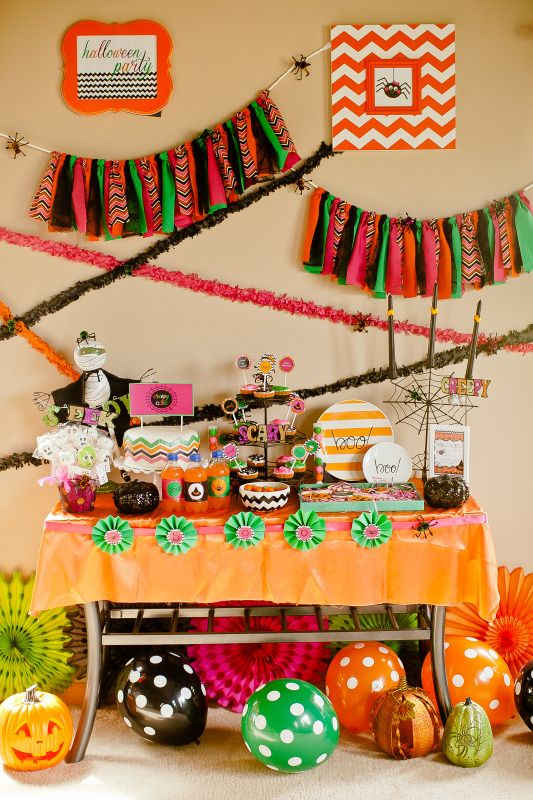 Me encantan los colores y los detalles chevron / I love the colours - kids halloween party decoration ideas
