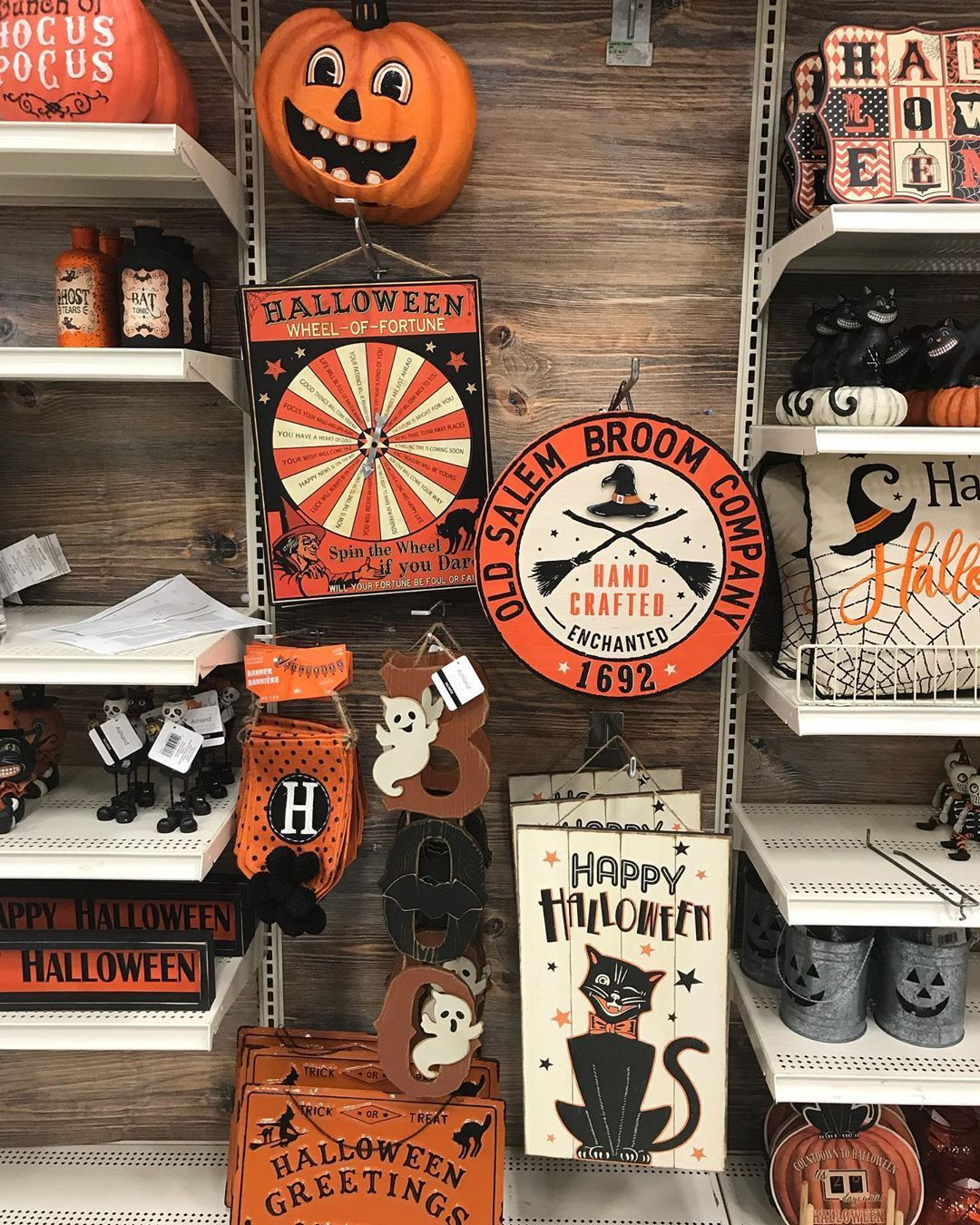 A Halloween Haul Is Right Michaels S 2019 Selection Of Spooky Decor Is Frighteningly Festive Spooky Decor Halloween Michaels Halloween