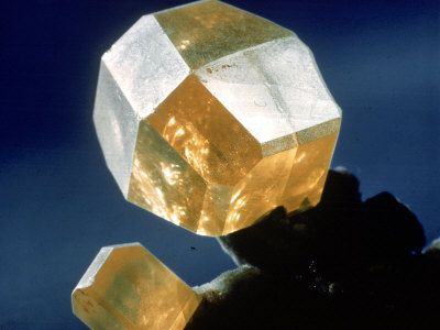 Cube of Raw Yellow Sulphur