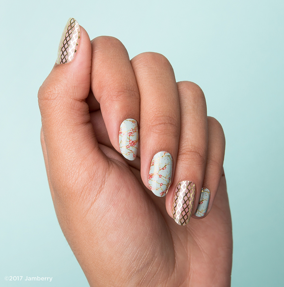 Happy Thursday! Here's the latest throwback for your viewing and manicure pleasure. Gold Fishnet and Cherry Blossom Twist.   https://kerikellyjams.jamberry.com/us/en/shop/shop/for/nail-wraps?collection=collection%3A%2F%2F1114&pageSize=24