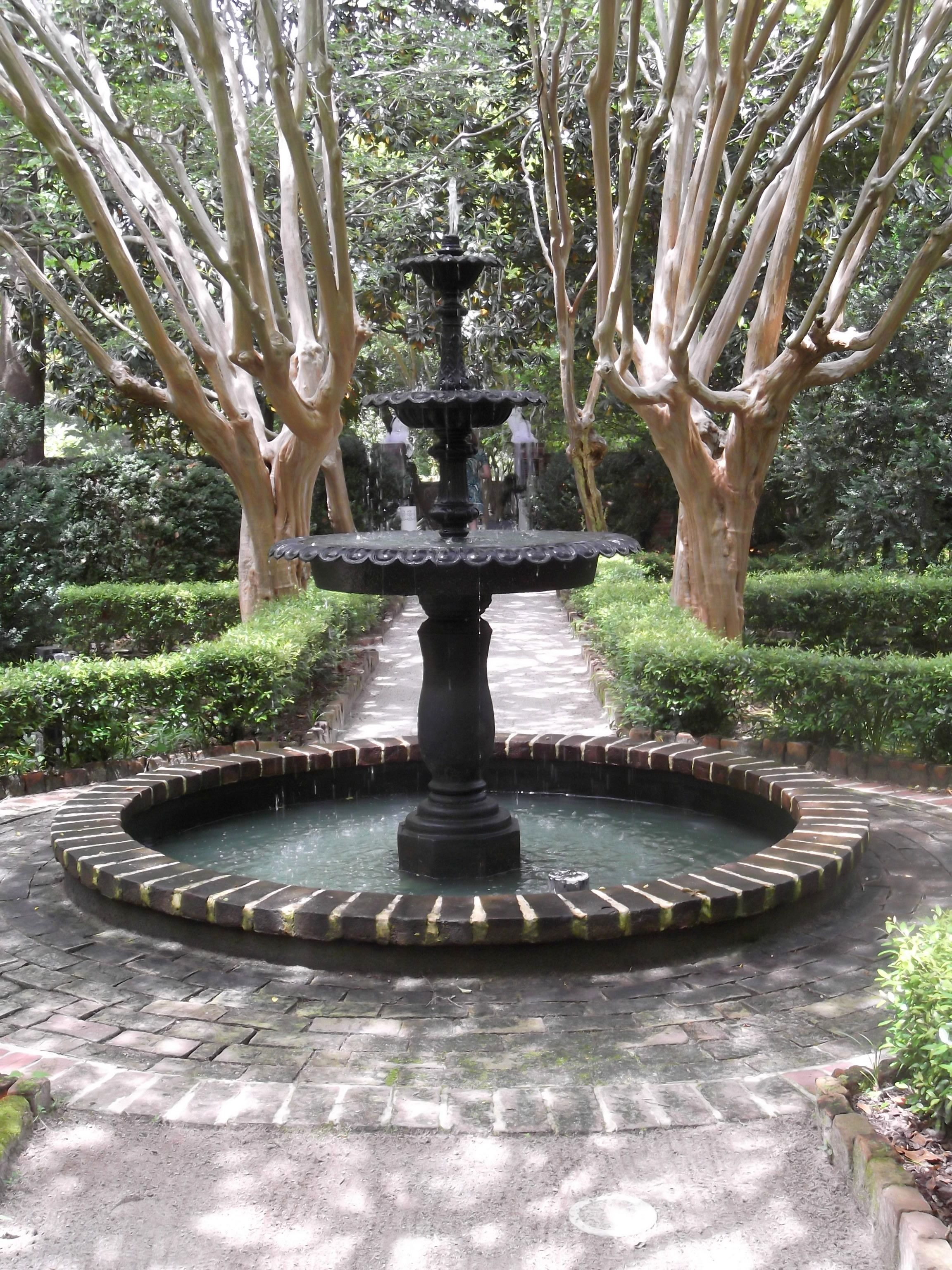 The Green Garden At The Governors Mansion Columbia Sc Wedding