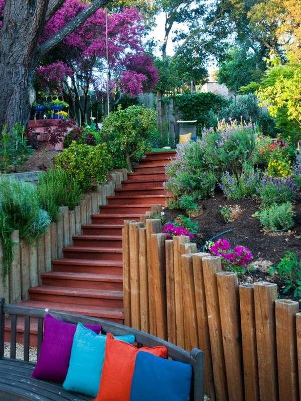 holz gartenmauer treppen blumen haus eingang | stützmauer, Garten seite