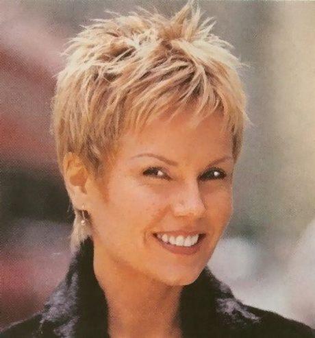 Kurze Frisuren Frauen über 40 25 Promi Frisuren für Frauen