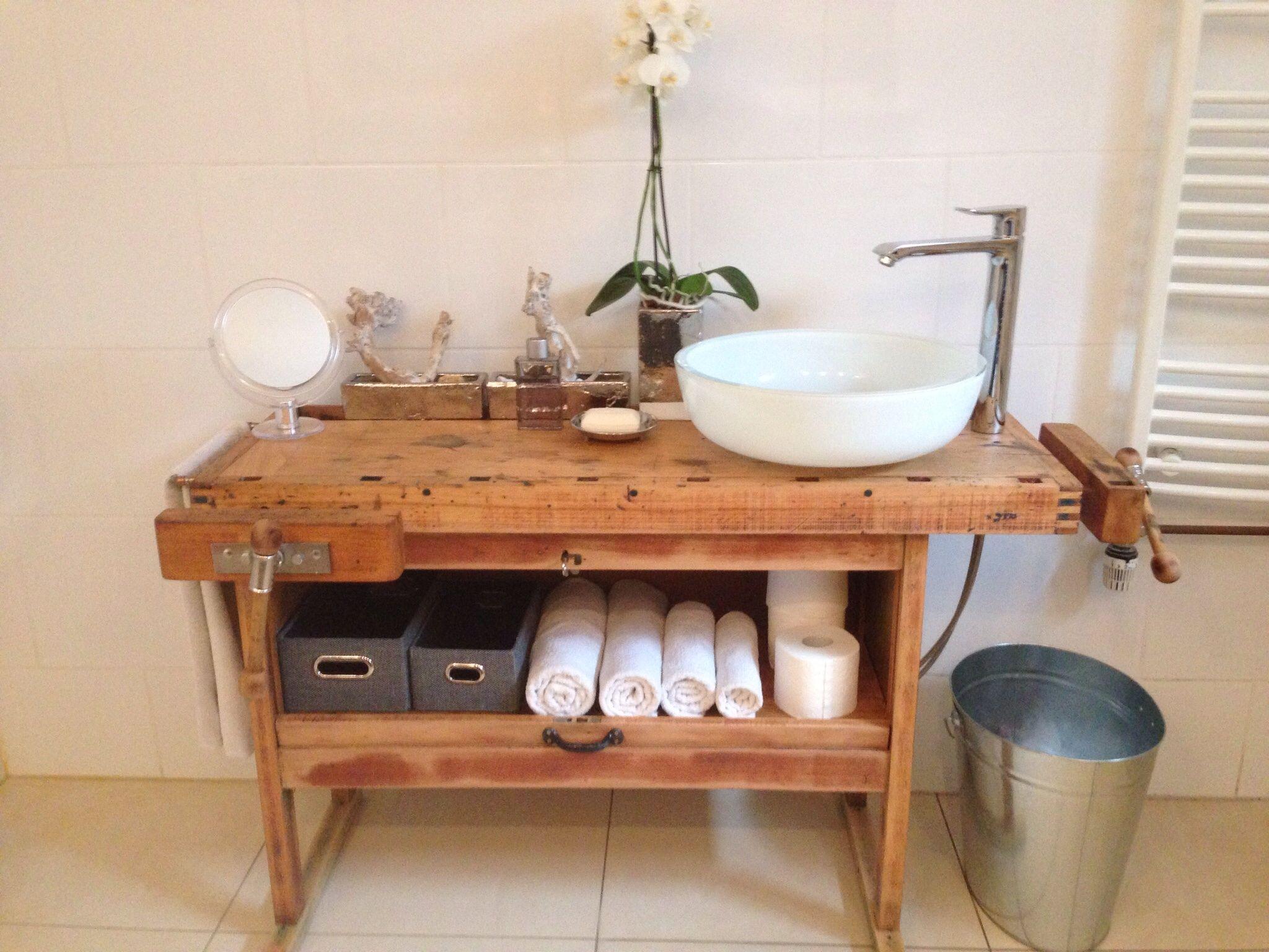 Waschtisch Aus Einer Hobelbank Badezimmer Vintage Landhausstil Design Loft Redesigned By Ben P Nrw Aufsatzwaschtisch Waschtisch Waschtisch Holz