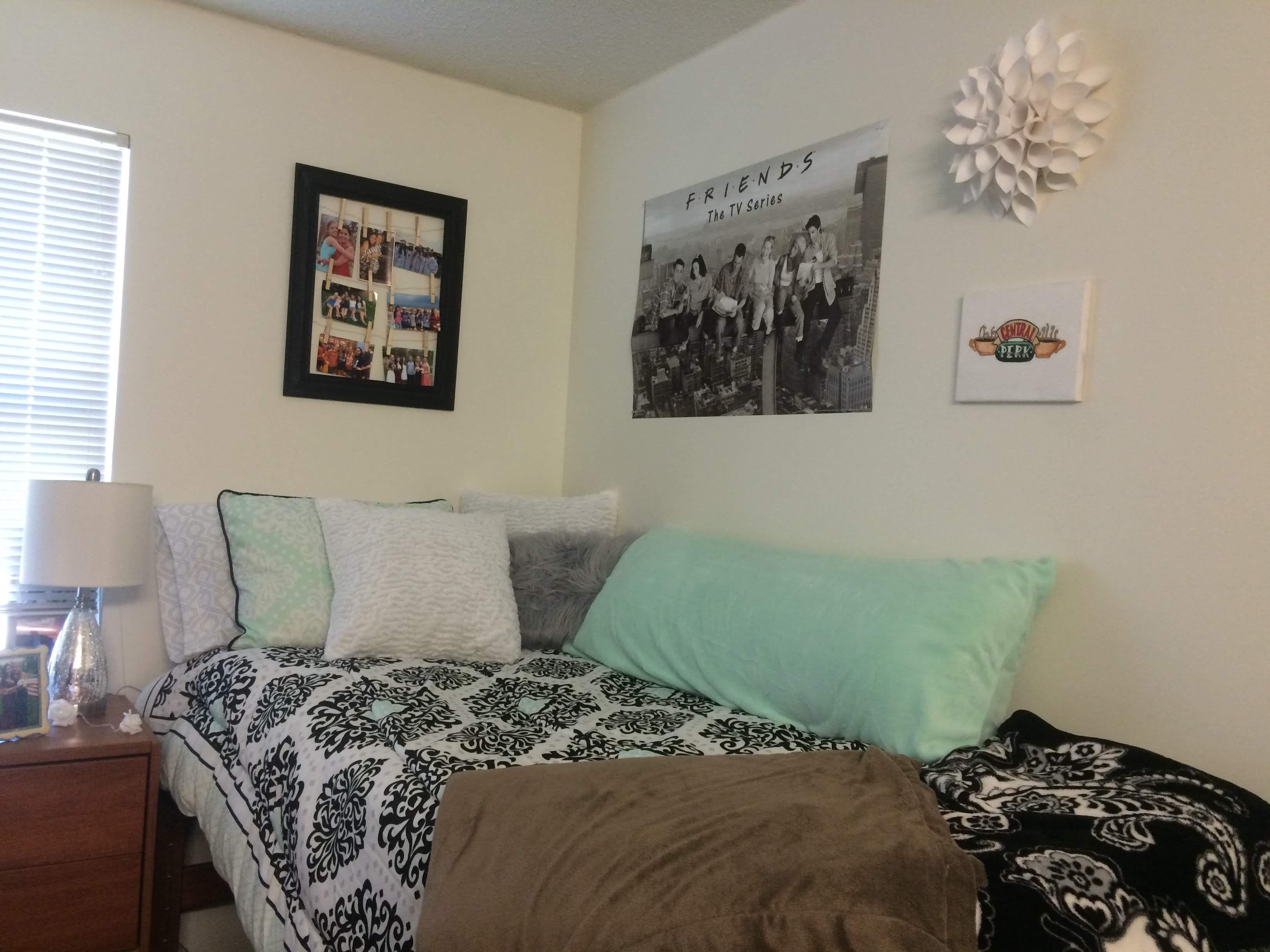 Brandywine Hall 1x1 Room Decor Bed Bath And Beyond Student House