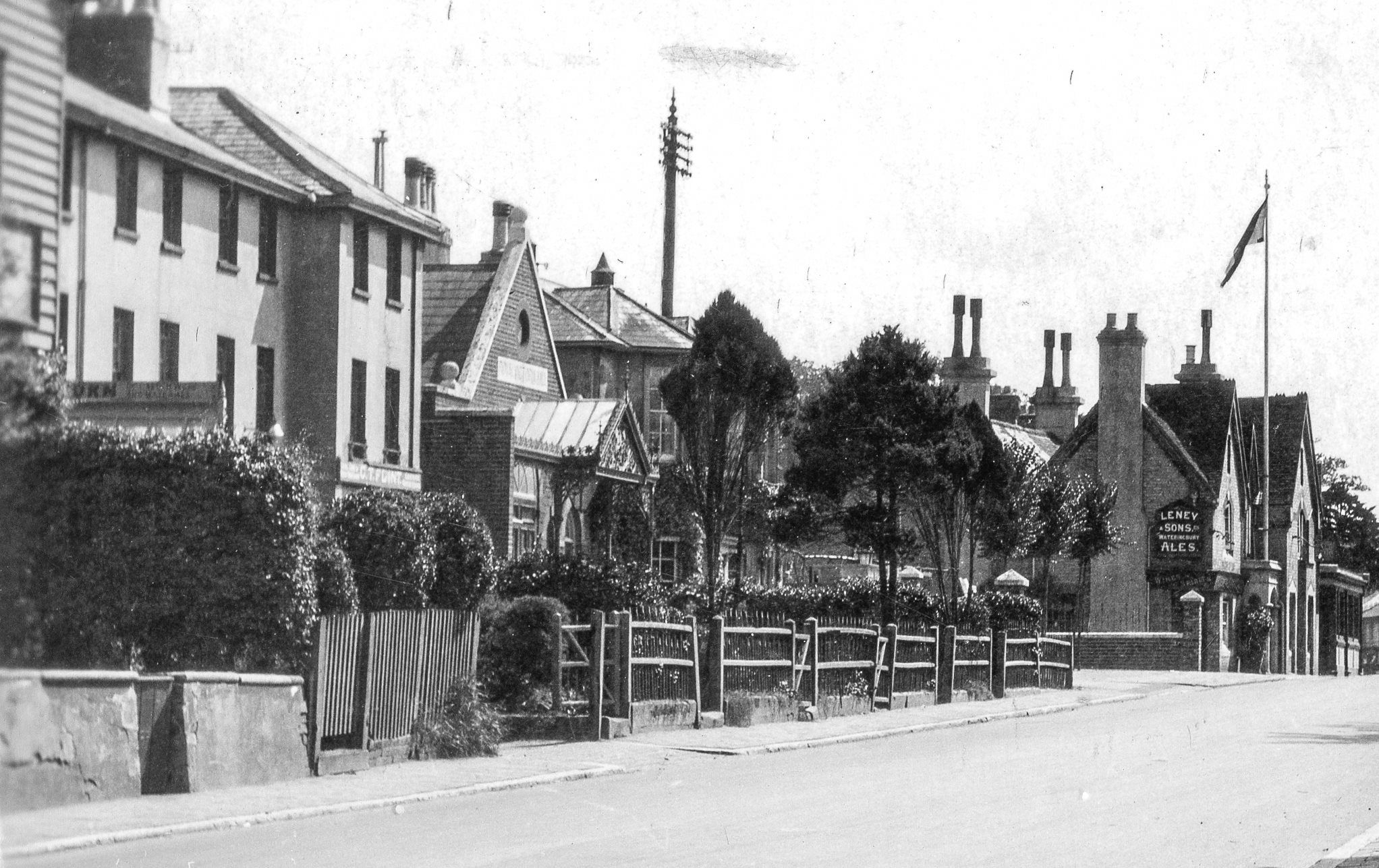 The eastern side of London Road, Southborough near the Victoria Hall in 1926.  At the right you can see The Bell pub and just beyond, the Bat & Ball.