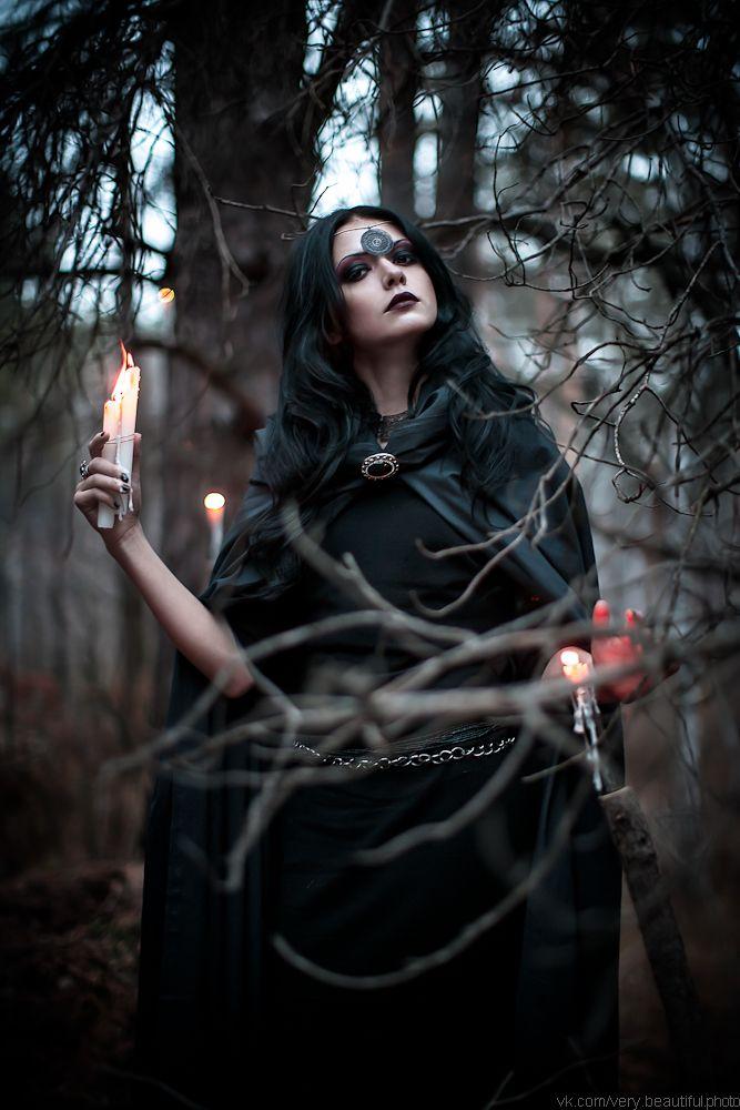 луньевская фотосессия ведьма в лесу фото для расследования стала