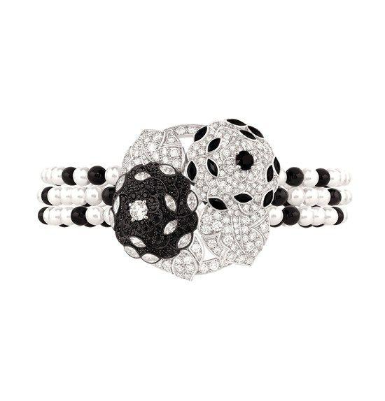 Duo de Camélias Bracelet. Chanel