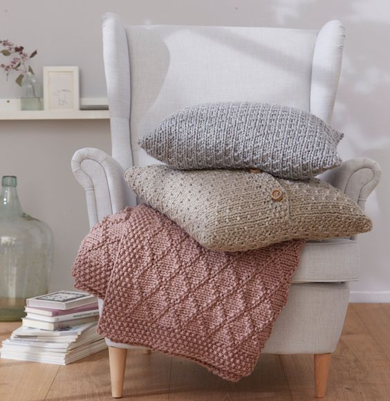 anleitung plaid und kissen stricken handarbeit pinterest schachenmayr bravo big. Black Bedroom Furniture Sets. Home Design Ideas