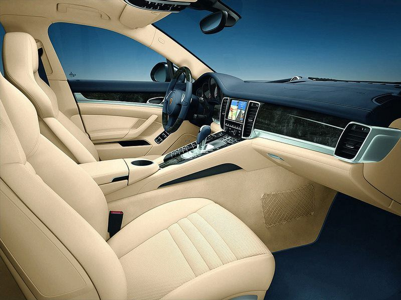 You can keep on looking and not get tired. Porsche Panamera interiors.