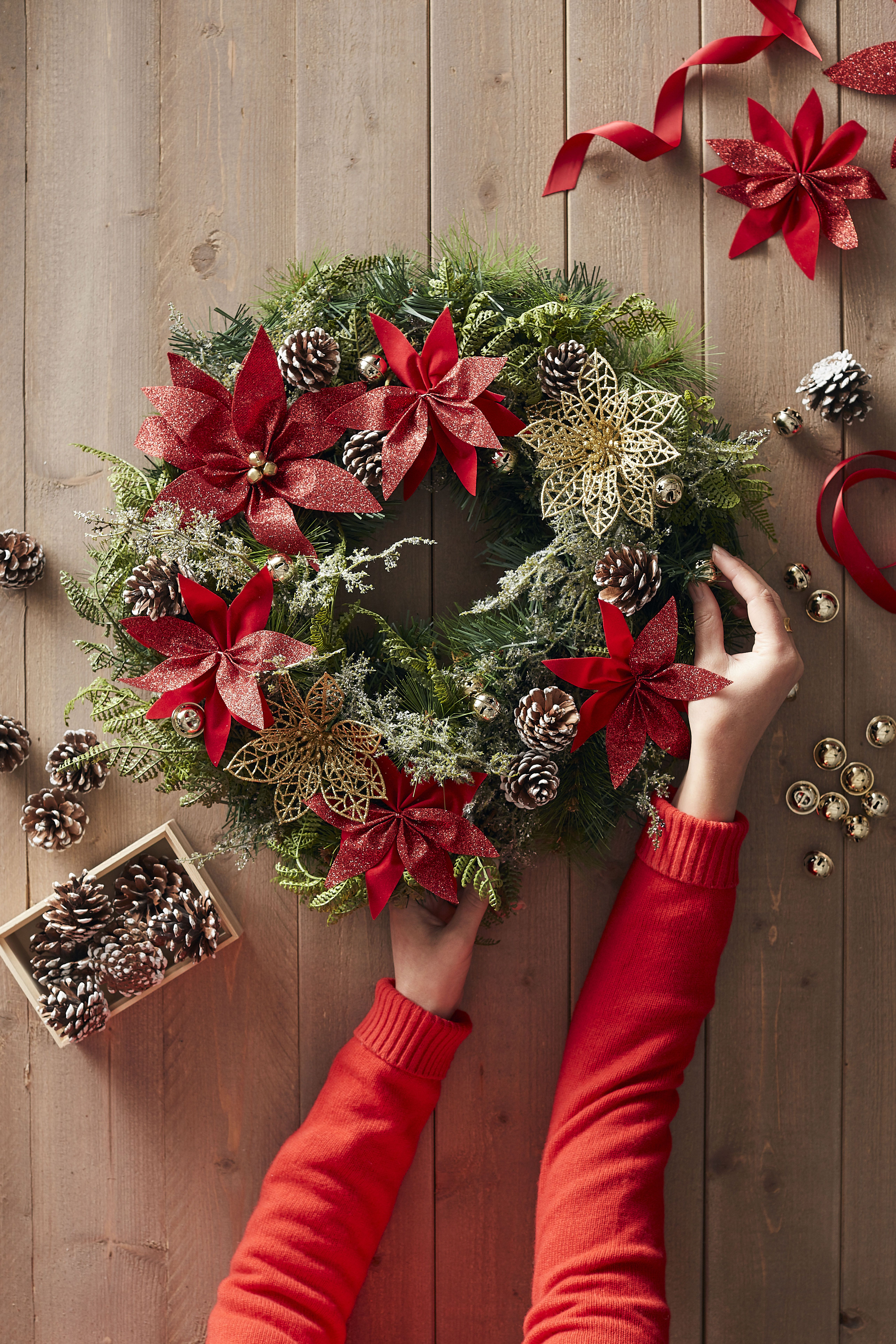 Pin by Hobbycraft on Christmas Artificial wreath