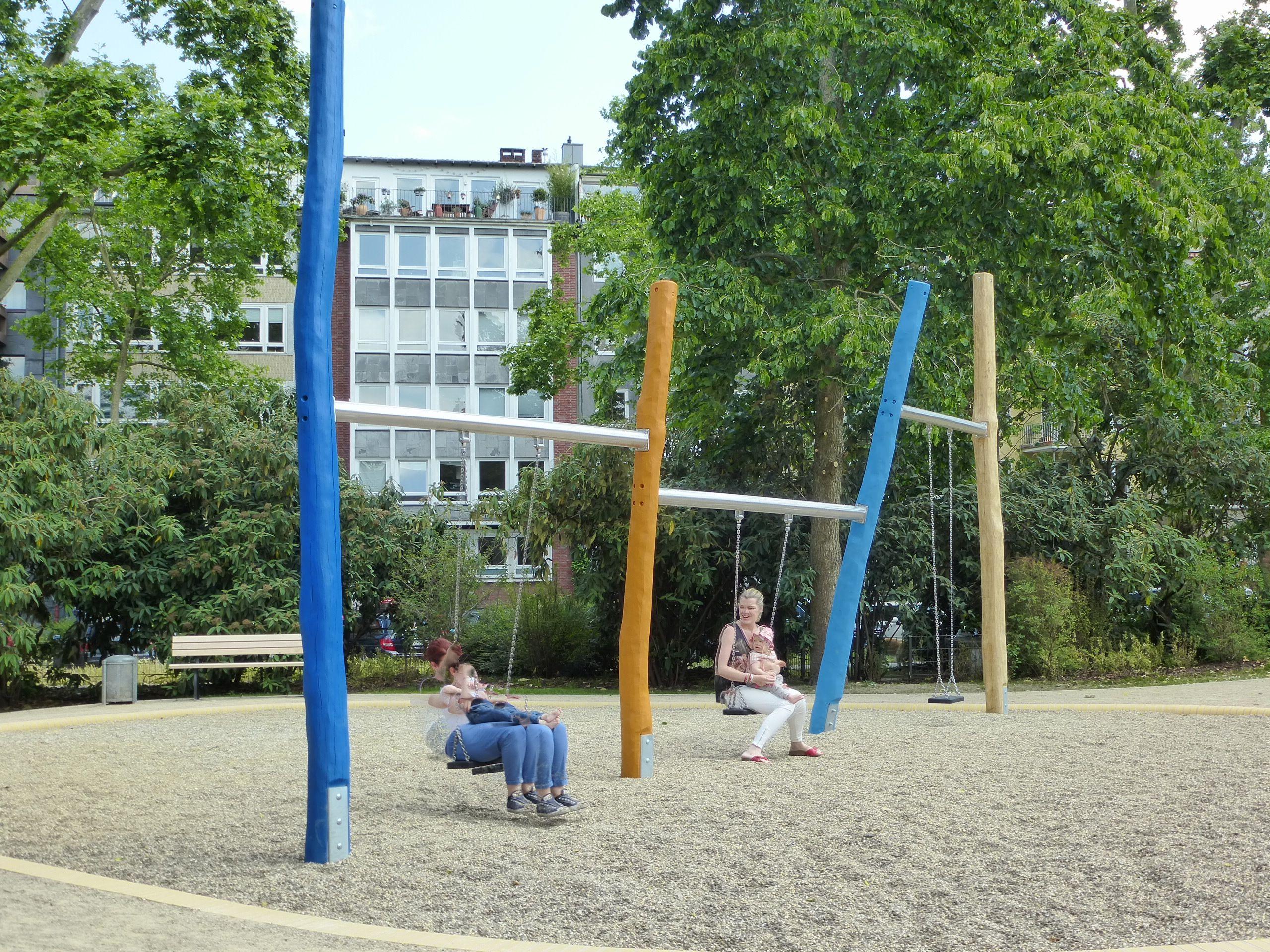 Awesome Kinderland Emsland Spielgeräte: Mehrfachschaukel Stahl Und Holz, Düsseldorf