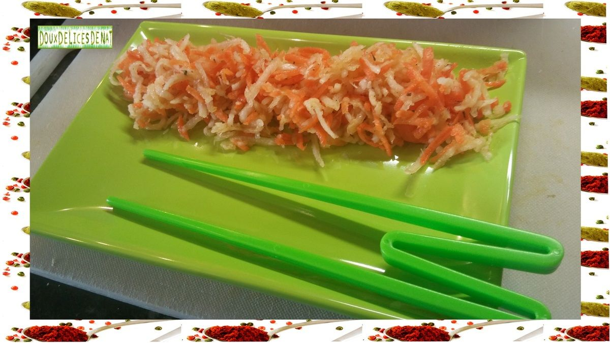 Ingrédients : 1 radis blanc 6 carottes 6 càs de vinaigre de riz 2 càs d'huile neutre 1 càs d'huile de sésame 1 càc de sucre Sel , poivre origan Préparation : Peler le radis blanc et les carottes et les râper . Mettre les légumes râpés dans un saladier...