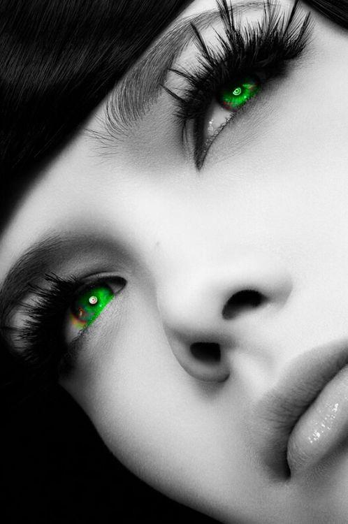 green eyes schwarz wei bunte bilder augen wimpern. Black Bedroom Furniture Sets. Home Design Ideas