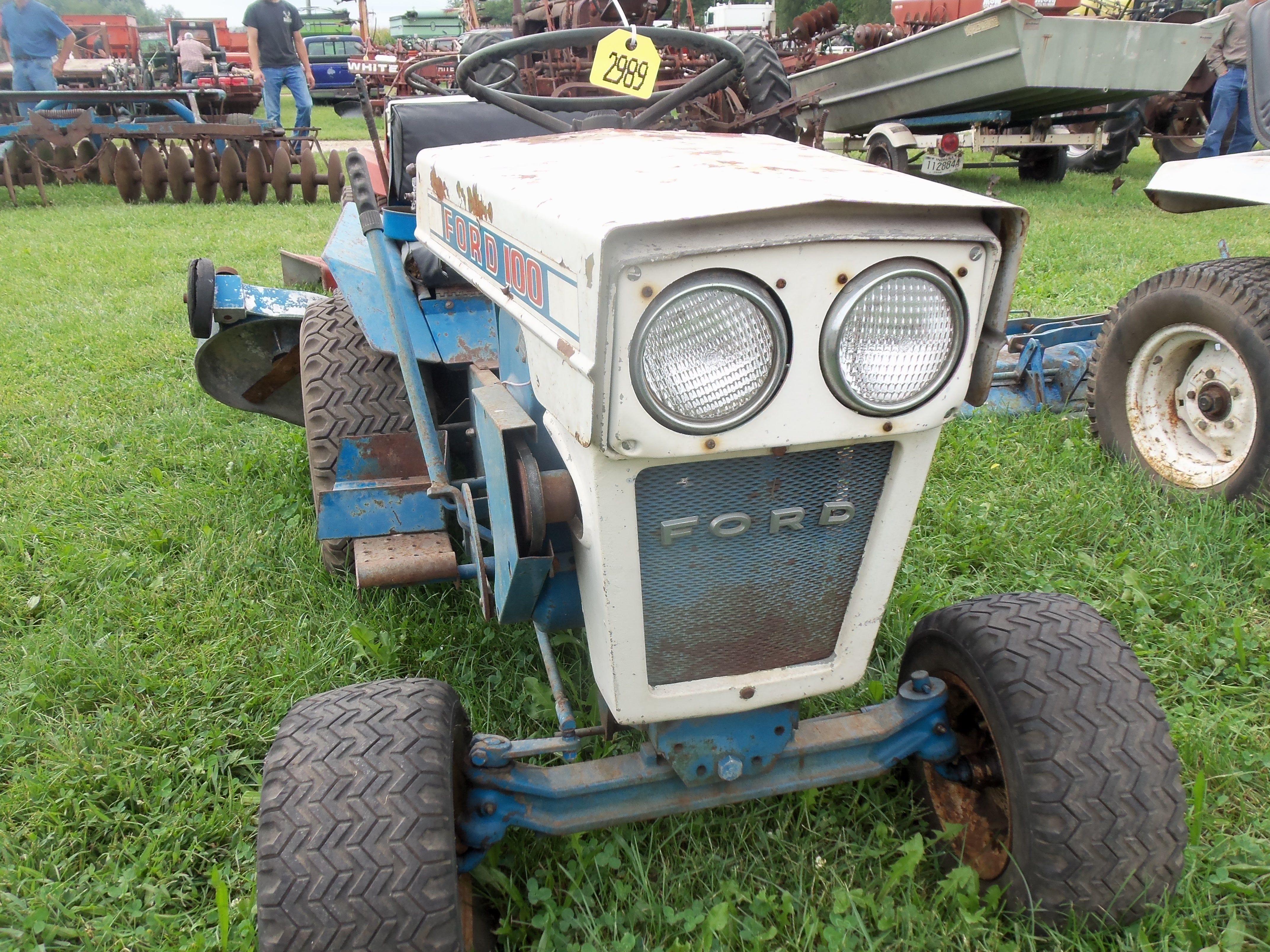 Ford 100 Lawn Garden Tractor Vintage Tractors Tractors Lawn Tractor