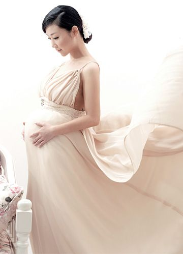 The Bride Can Find A Comfortable Dress Maternity Bridal Gowns Wedding Dresses Pregnant Wedding Dress