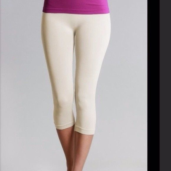 0da3479992a42 Ivory Cream Capri Leggings One Size Fits All (Size 2-8) #fashion #clothing  #shoes #accessories #womensclothing #leggings (ebay link)