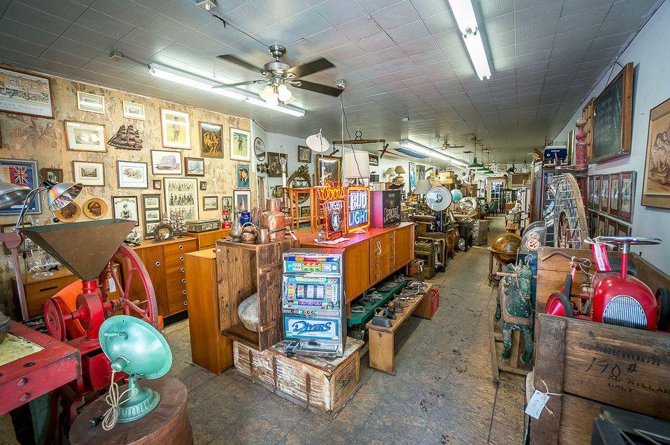 vintage furniture stores in toronto 1698 queen antiques vintage rh pinterest com