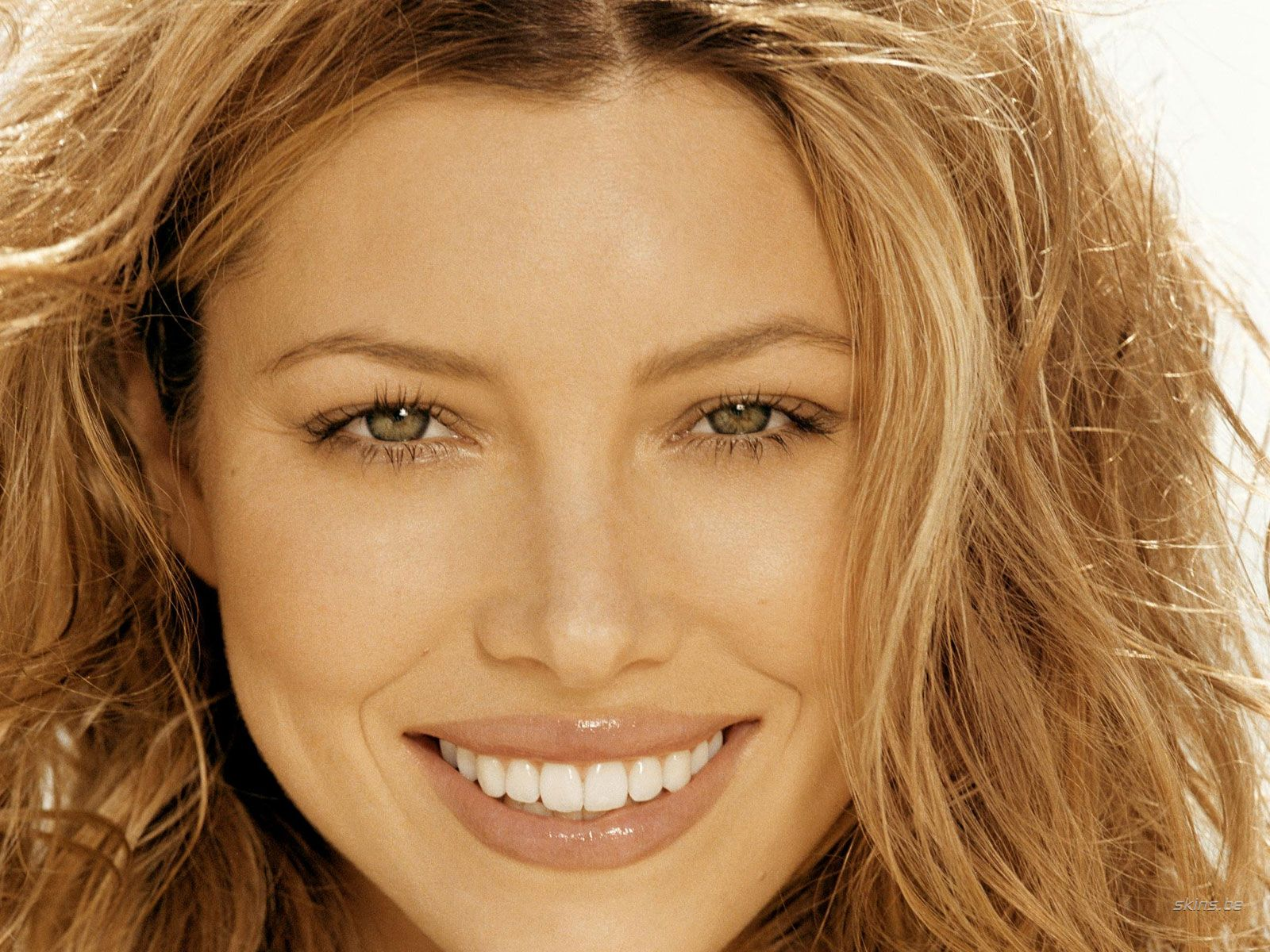 Foyer Colors Justin Timberlake : Latin women in movies with big smile great hd wallpaper