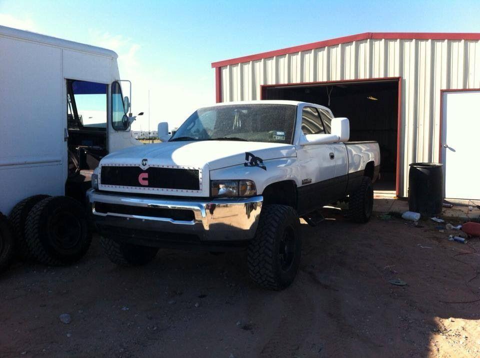 4th gen bumper on 2nd gen! Awesome!   Real trucks (mins ...