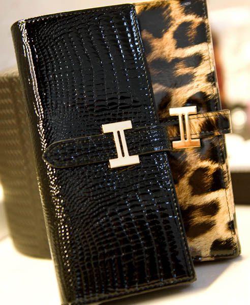 Minimal High-shine Leather Purse from Chicnova