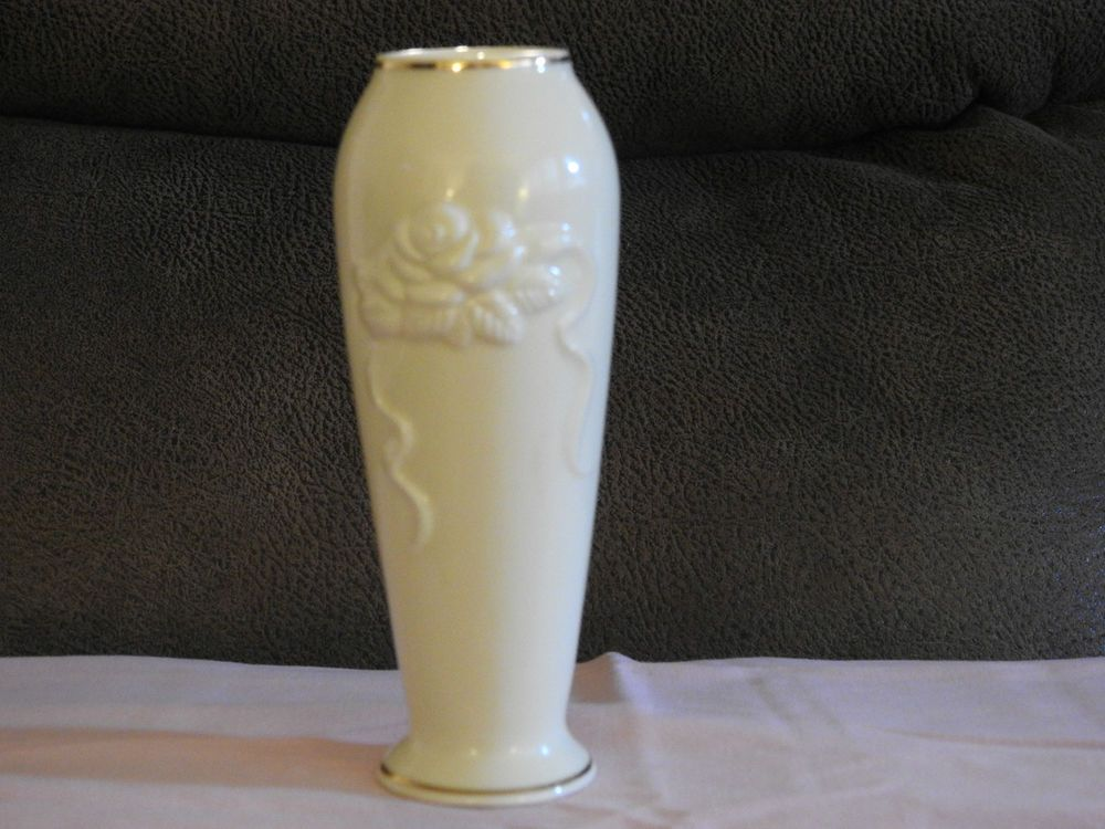 Lenox Rose Blossom Collection Vase Beautiful Ivory Vase With 24kt
