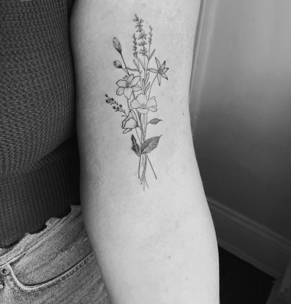 Daffodil Bouquet Tattoo Wedding Maxx Info Delicate Flower Tattoo Tattoos Flower Wrist Tattoos