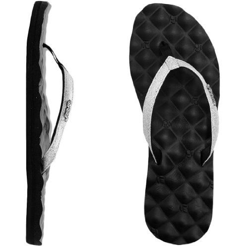 Reef Women's Star Dreams Sandal Reef. $35.99. With roots in Argentina, Reef is on feet around the globe.. Sparkly Strap Lined, Pillowtop Foam Bed. rubber sole