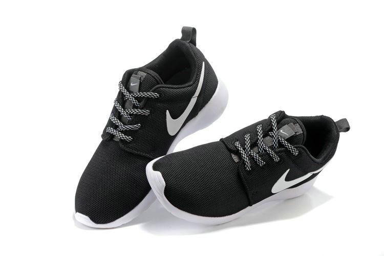 best authentic 1c764 53f25 ... best price 2018 uk trainers nike roshe one black noir white blanc  rosherun running shoes sneakers ...